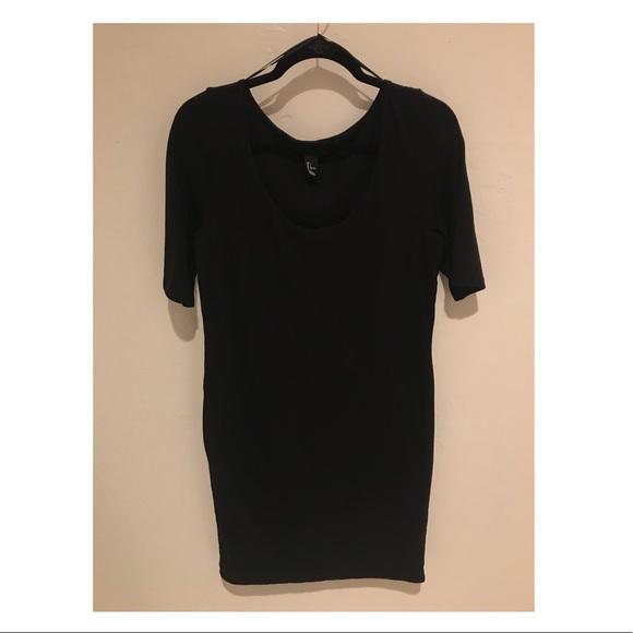 H&M Dresses & Skirts -   Slim Fit Black H&M Dress  